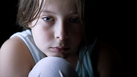 Há estratégias para minimização da depressão infantil?